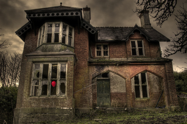 Favim.com-architecture-broken-creepy-haunted-haunted-house-358364.jpg