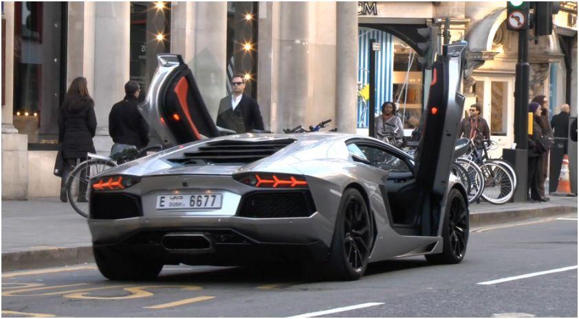 Lamborghini-Aventador-London.jpg